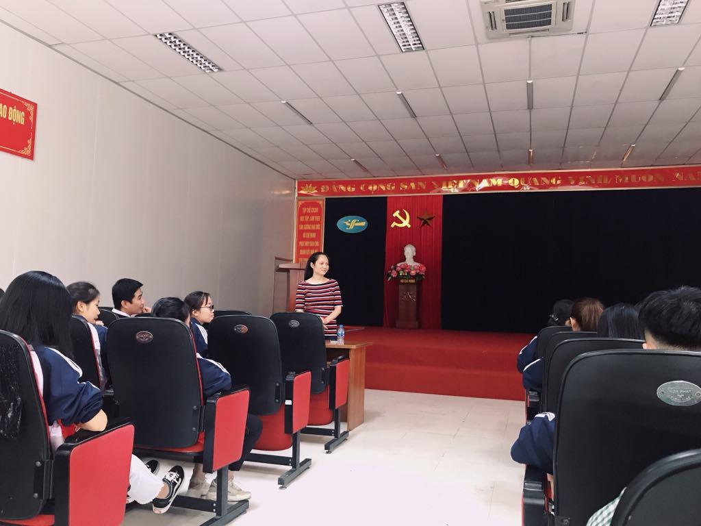 Sinh viên Đại học ngành Công nghệ Vật liệu dệt may khóa 14 tham quan, trải nghiệm thực tế tại Công ty cổ phần Dệt may Hà Nội HANOSIMEX, chi nhánh Hà Nam