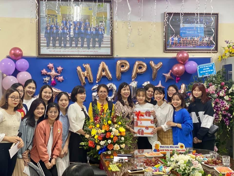 Lễ meeting kỷ niệm 38 năm ngày nhà giáo Việt nam 20.11- Trao giải cuộc thi `Ngàn lời tri ân 20.11` Khoa Công nghệ May- TKTT
